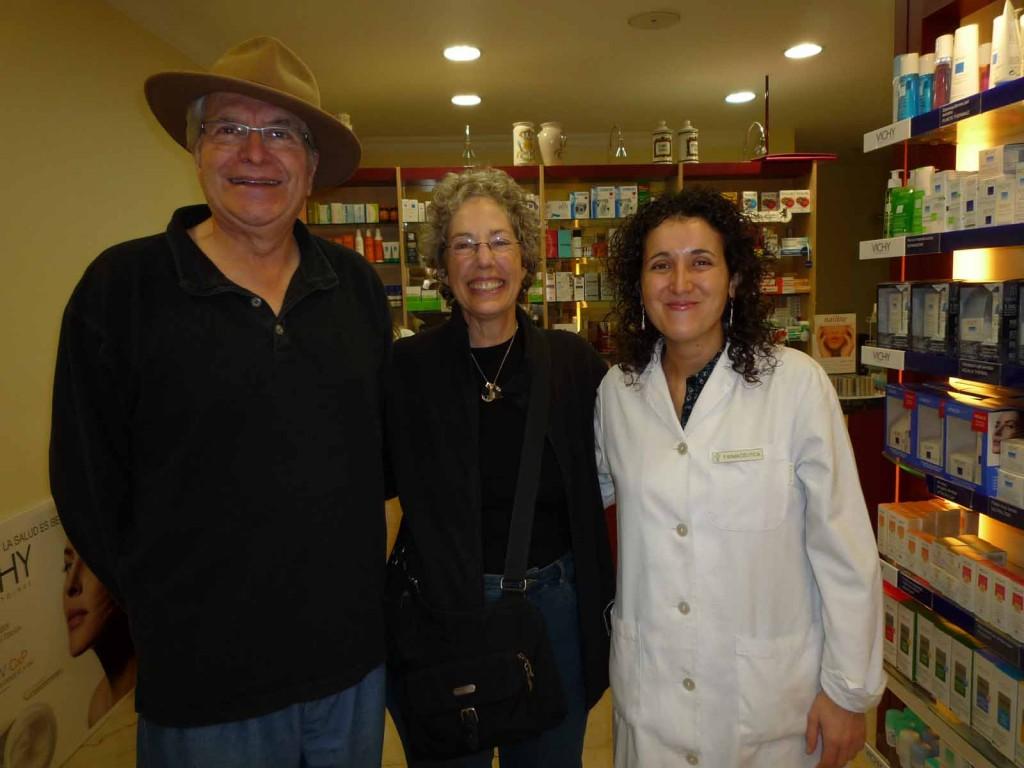 Gary, Elyn at Phamacy in Sahagún